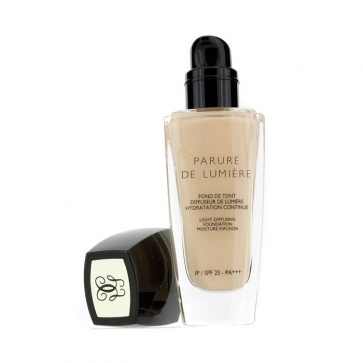Parure De Lumiere Light Diffusing Fluid Foundation SPF 25 - # 31 Ambre Pale
